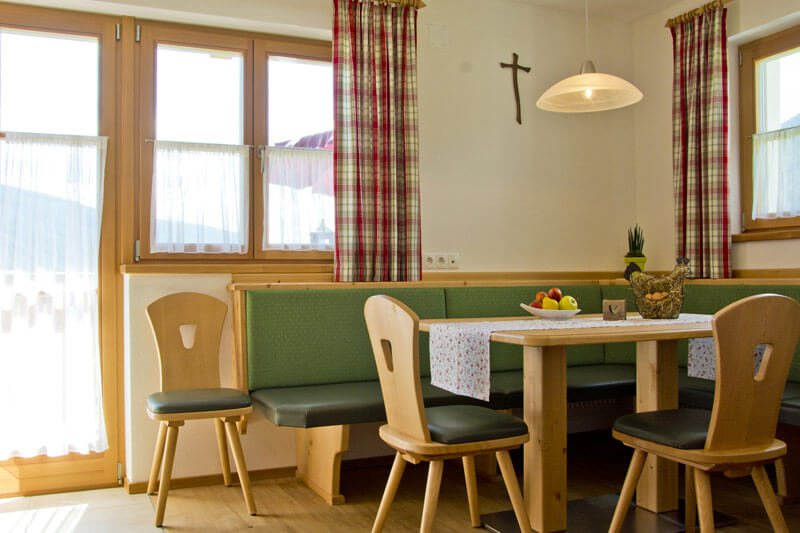 untersieglerhof-apartment-kronplatz-dining-room2